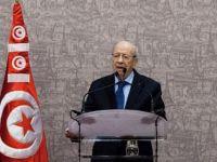 Tunus'ta  Müslüman Kadınlar Gayrimüslimlerle Evlenebilecek !