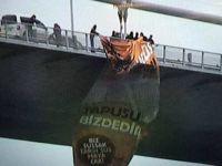 Takım Bayrağı Asmak Serbest, Kudüs Bayrağı Asmak Suç !
