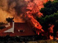 Yunanistan'da Yangın ve...