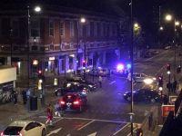 Londra'da cami önündeki yayalara araçlı saldırıya soruşturma