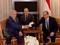 Netanyahu   Darbeci Sisi'yi Övdü