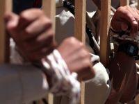 İsrail Mescid-i Aksa'nın Görevlilerini Esir Aldı