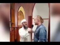 Yeni Zelandalı Adam İslam'la Şereflendi (VİDEO)