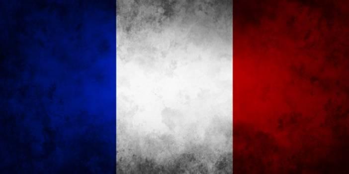 Fransa'da Müslüman Karşıtı Yasa Kabul Edildi