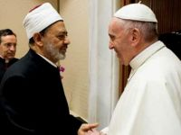 Darbeci  El-Ezher Şeyhi Papa İle Dua Etti