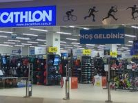 Decathlon Eşcinsel Sapkınlığa Göz Kırptı