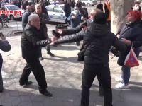 Ermenistan'da Sokaklar Karıştı
