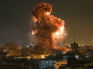 Gazze'de Aksa TV'nin Siyonistlerce Vurulma Anı