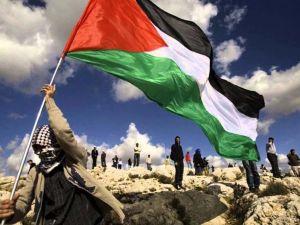 Paris, İsrail Büyükelçiliğine Filistin Bayrağı